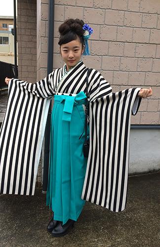 かわいい小学生袴姿のお客様_b0098077_17170747.jpg
