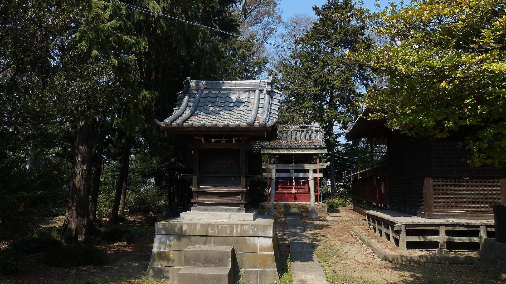 お寺の次は神社です_a0185081_09495463.jpg