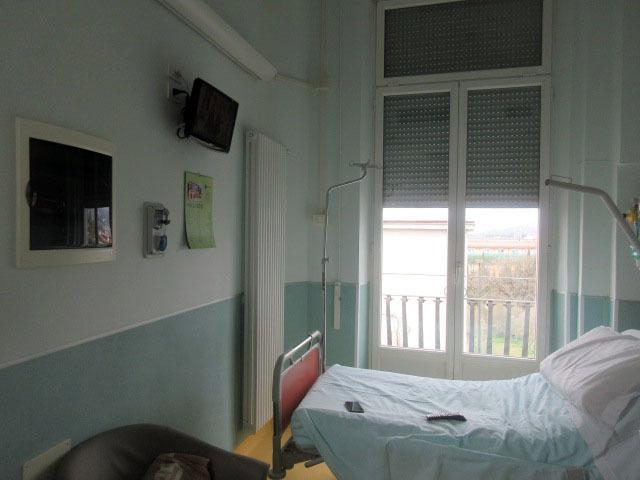 退院が1日伸びた理由ーーー病室の窓から_c0179785_00545296.jpg
