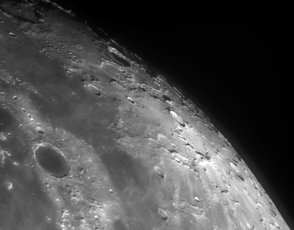 3月28日の月 15cmアクロマート屈折での月面撮影 _e0174091_09493824.jpg