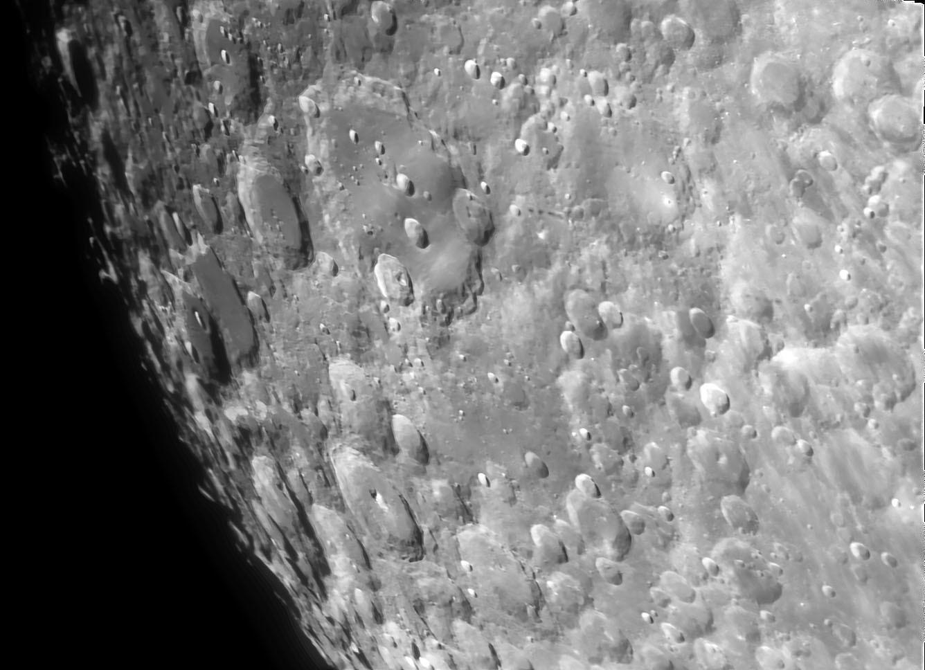 3月28日の月 15cmアクロマート屈折での月面撮影 _e0174091_09495061.jpg
