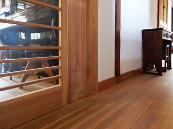 北鎌倉の家の猫の出入り口・その2_c0195909_12363764.jpg