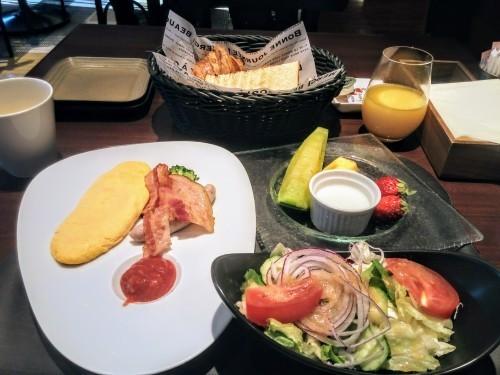 昭和のビジネスホテルのような…_a0057402_06412465.jpg