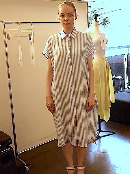 さりげなく上質で、シンプルですが、体型問わず、美しく着れて、使いやすい、TOMOUMI ONOの麻ワンピース_e0122680_18002686.jpg