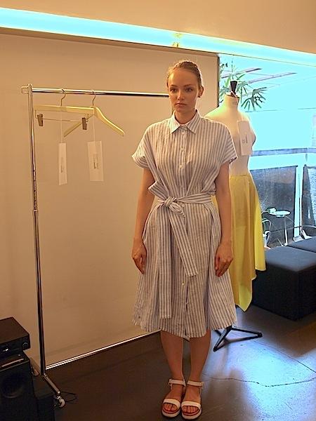 さりげなく上質で、シンプルですが、体型問わず、美しく着れて、使いやすい、TOMOUMI ONOの麻ワンピース_e0122680_18014347.jpg