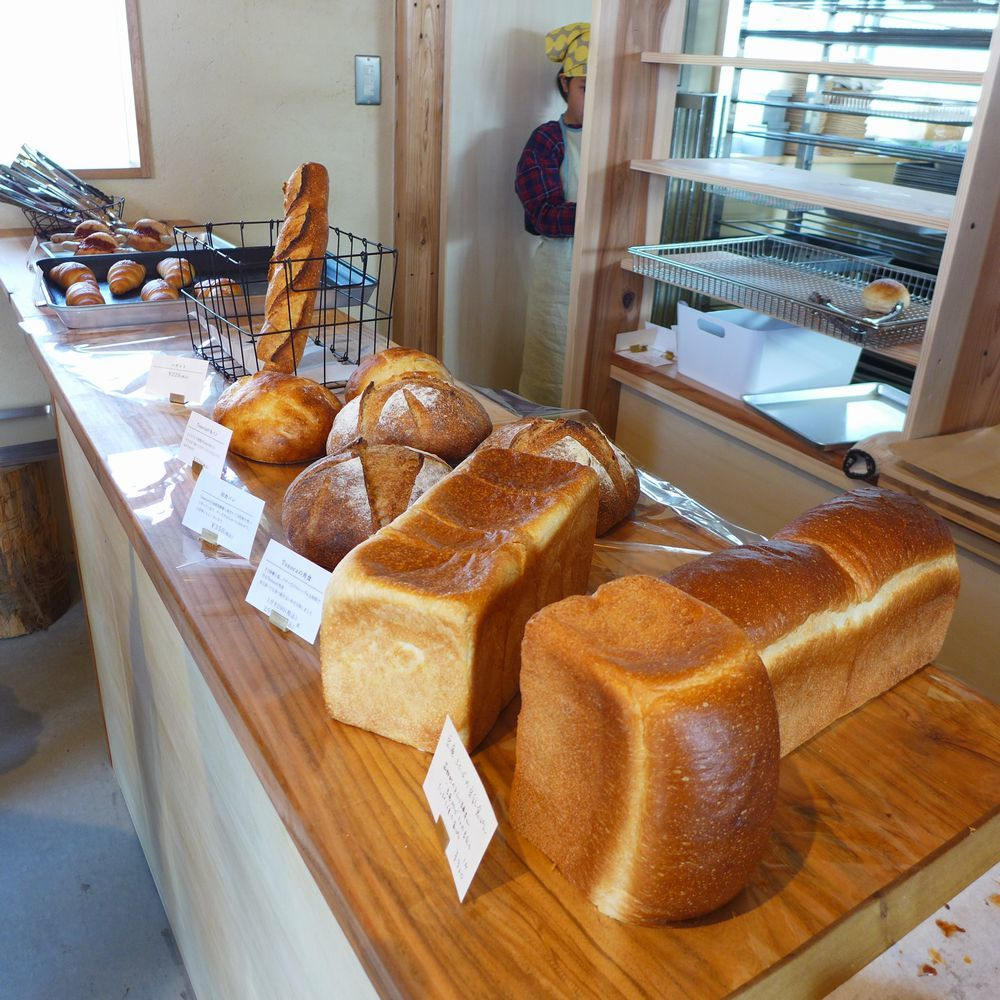 「天然酵母のパンとおやつkumu」さん 「パン焼き小屋tonoca」さん (三重県亀山市)_d0108737_14330849.jpg