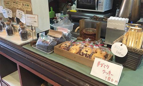 『でんしゃにのるよ ひとりでのるよ』3/27発売:その4・喫茶店!!_e0026053_17355509.jpg