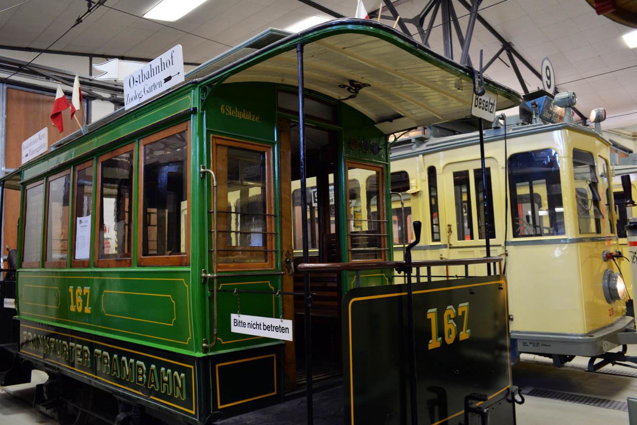 路面電車博物館の文字_e0175918_03512433.jpg