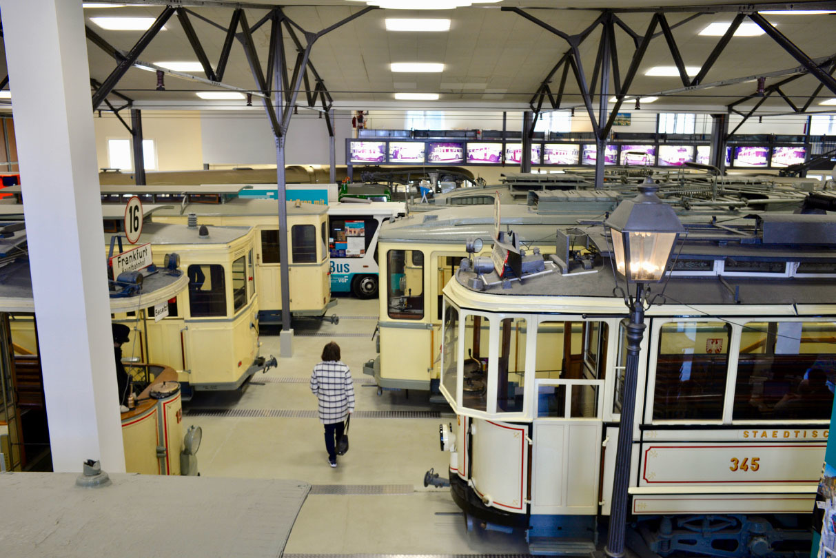 路面電車博物館の文字_e0175918_03532410.jpg