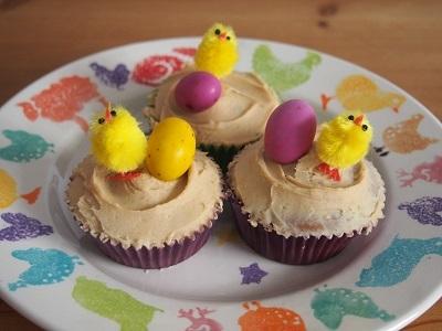 Easter charity bake saleにカップケーキとロータスビスコフブラウニーを焼く_f0238789_19142522.jpg