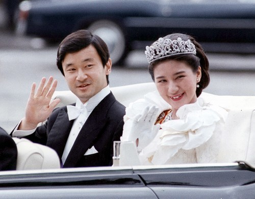 日本の支配層の構造:3人の天皇と縄文5系統「政府委員」のジイサマ_e0069900_15123305.jpg