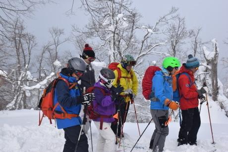 2018年3月3日3月3日 昼から[湯内山」を登って深雪を楽しむ_c0242406_17033936.jpg