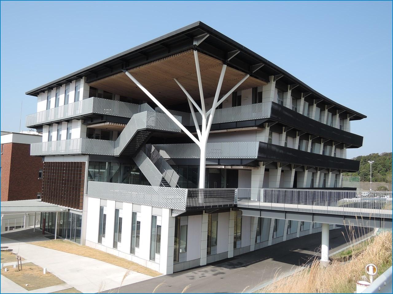 静岡理工科大学 理工学部 建築学科棟の見学 1_c0376508_15424122.jpg