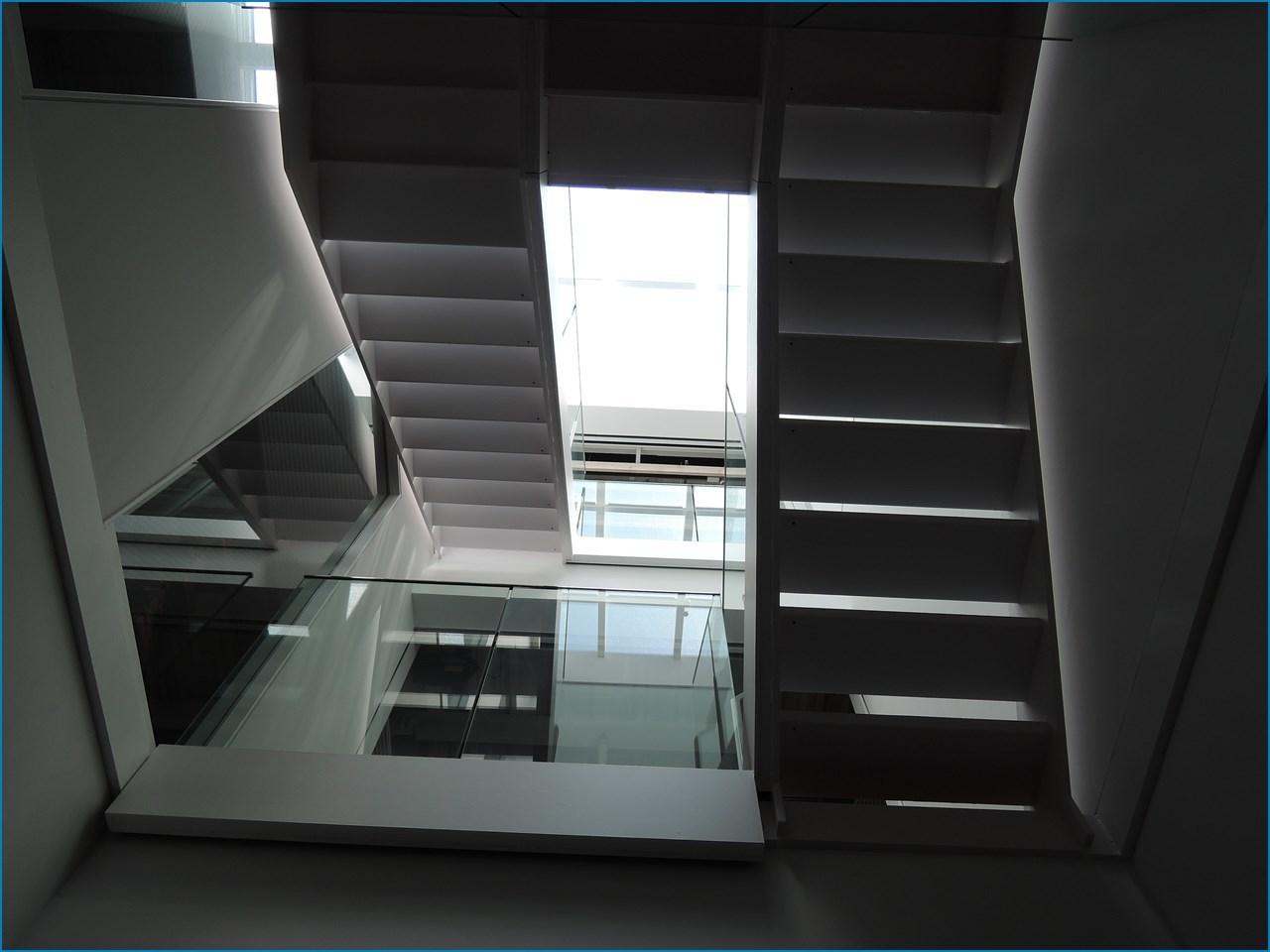 静岡理工科大学 理工学部 建築学科棟の見学 1_c0376508_18183915.jpg
