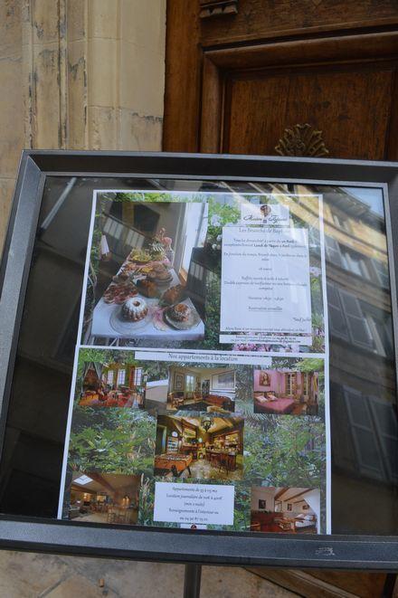 アヴィニョン散歩とチーズとカルパントラのいちご_b0346275_01151795.jpg