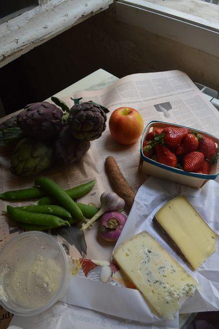 アヴィニョン散歩とチーズとカルパントラのいちご_b0346275_02060314.jpg