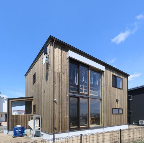 秋田市新屋の家:完成3 屋内バルコニー_e0054299_13300695.jpg
