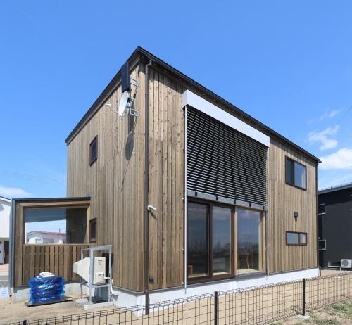 秋田市新屋の家:完成3 屋内バルコニー_e0054299_13301498.jpg