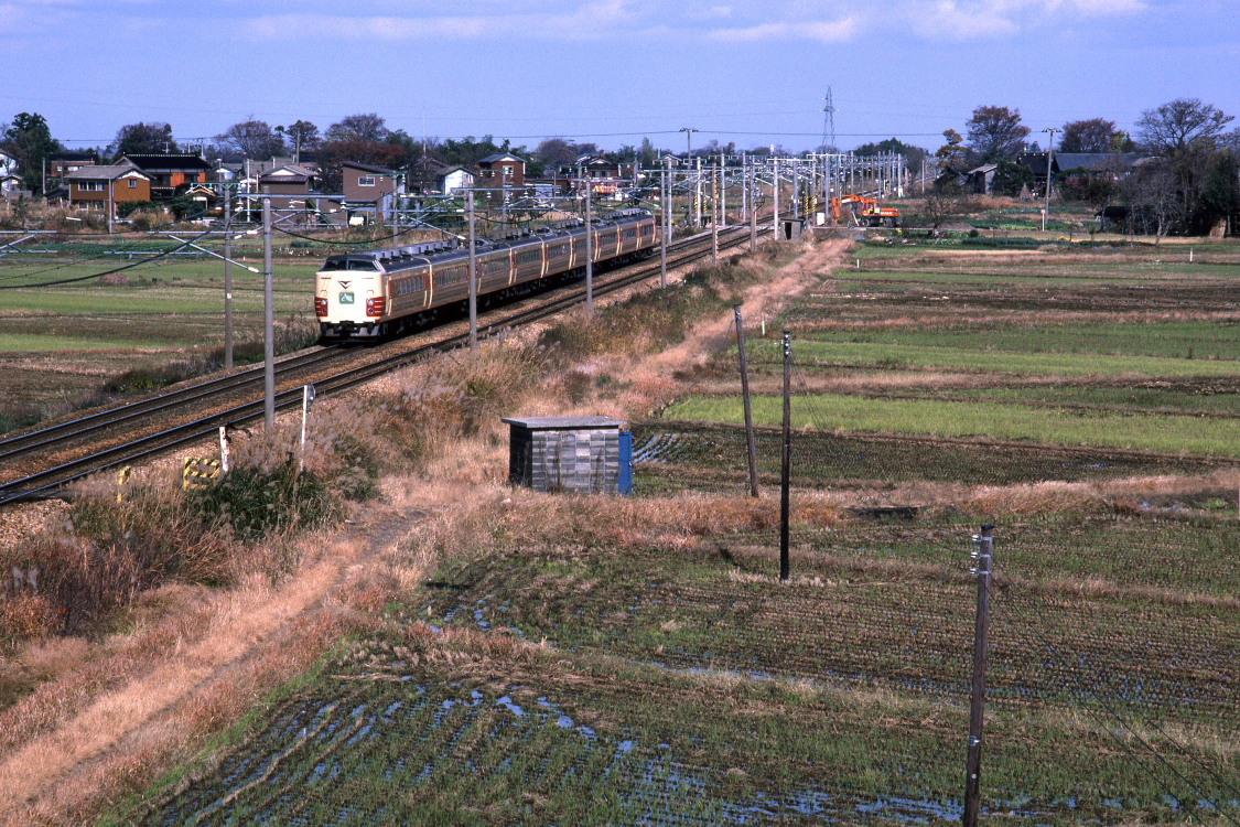 国鉄特急が走り去る - 上越線 -_b0190710_23012893.jpg