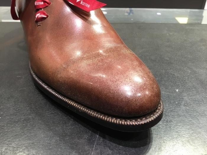 靴の鏡面磨きを落として、再度磨きます。_b0226322_13321235.jpg