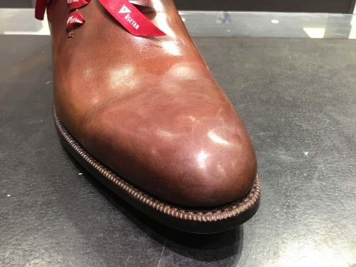 靴の鏡面磨きを落として、再度磨きます。_b0226322_13482763.jpg