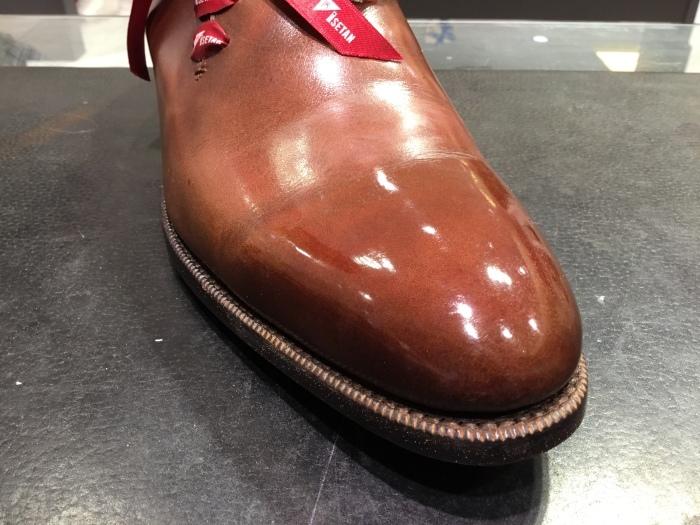 靴の鏡面磨きを落として、再度磨きます。_b0226322_14092172.jpg