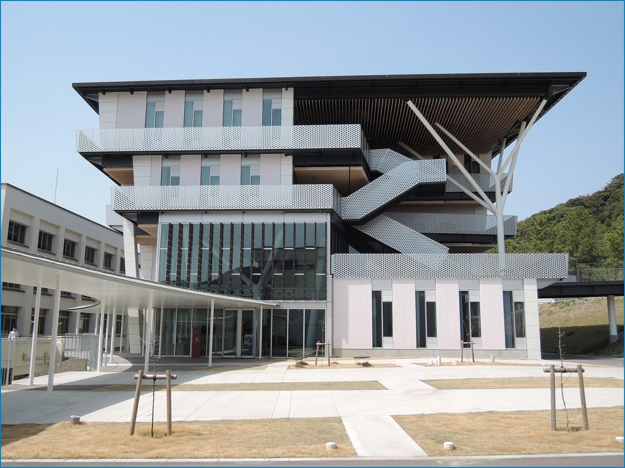 静岡理工科大学 理工学部 建築学科棟の見学 2_c0376508_04383767.jpg