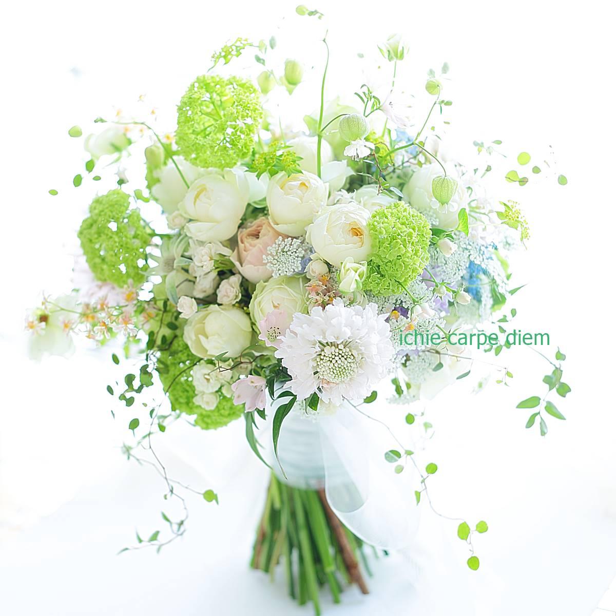 クラッチブーケ 八芳園さまへ、二次会のドレスにもあうように一つのブーケで_a0042928_2215985.jpg