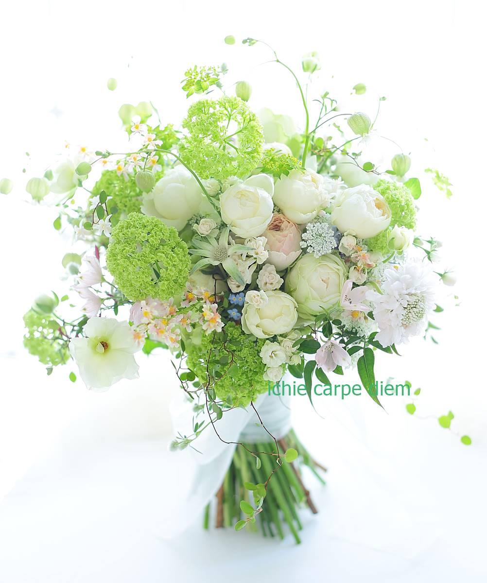 クラッチブーケ 八芳園さまへ、二次会のドレスにもあうように一つのブーケで_a0042928_2225597.jpg