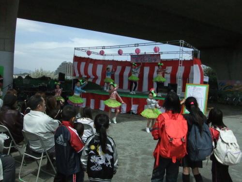 桜祭り.._b0137932_15062590.jpg