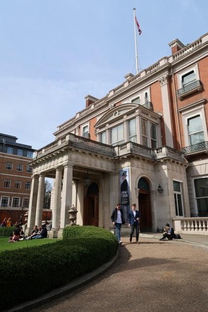 第4代ハードフォード公爵のロンドンの邸宅内のプライベートコレクション ウォーレスコレクション_f0380234_19105166.jpg