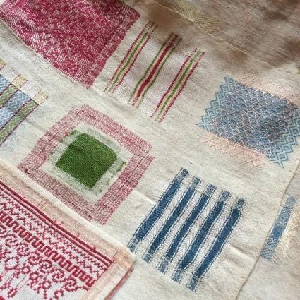 インドの女子修道院の刺繍やレース、それからヨーロッパのサンプラーも_f0108001_11414951.jpg