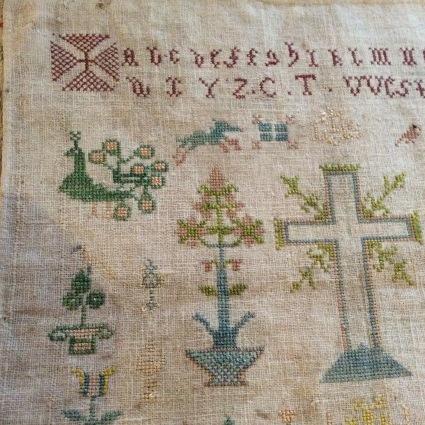 インドの女子修道院の刺繍やレース、それからヨーロッパのサンプラーも_f0108001_11432195.jpg
