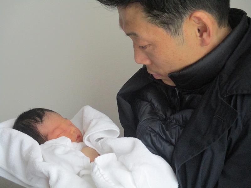 4月9日(月)・・・無事、出産。_f0202703_22315736.jpg