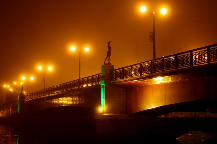 幣舞橋と夕日 4月9日_f0113639_1531756.jpg