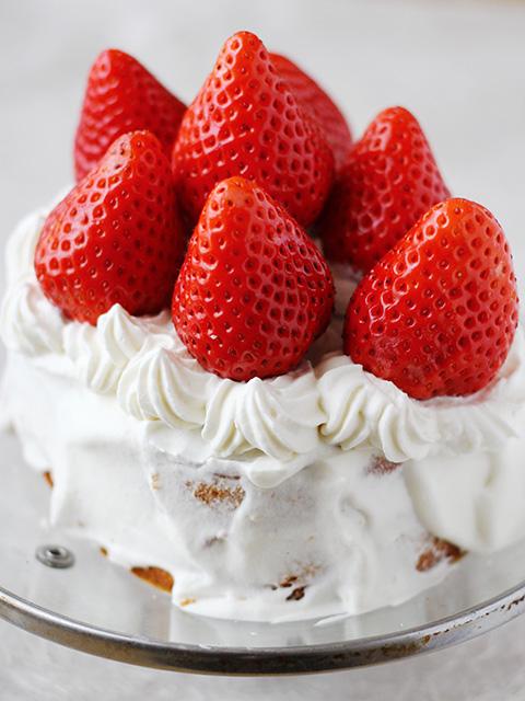いちごのデコレーションケーキを作る の巻_c0053520_7555349.jpg