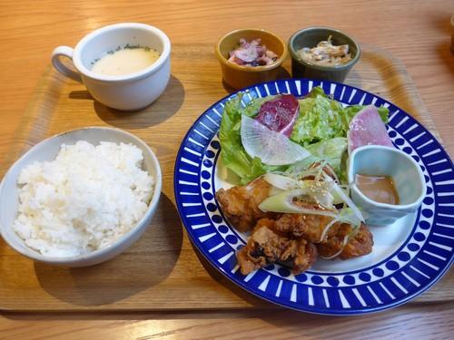 神戸三宮「ニューラフレア」へ行く。_f0232060_18394836.jpg