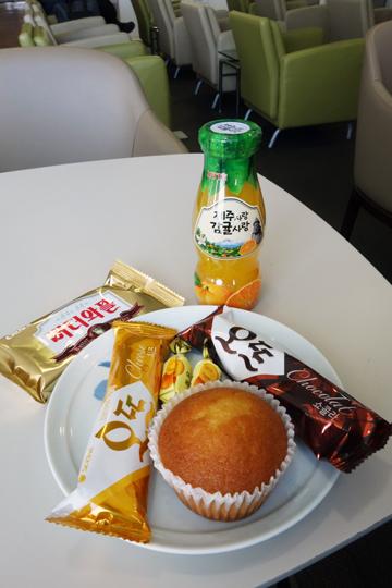 大韓航空 国内線 ビジネスクラス KE1256 済州KALラウンジ 済州・ソウルの旅 2018年3月  대한항공 국내선 비즈니스 글래스 A330-300 제주-김포_f0117059_23341178.jpg