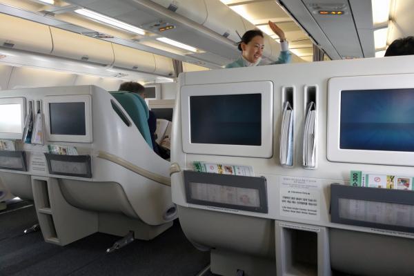 大韓航空 国内線 ビジネスクラス KE1256 済州KALラウンジ 済州・ソウルの旅 2018年3月  대한항공 국내선 비즈니스 글래스 A330-300 제주-김포_f0117059_23435415.jpg