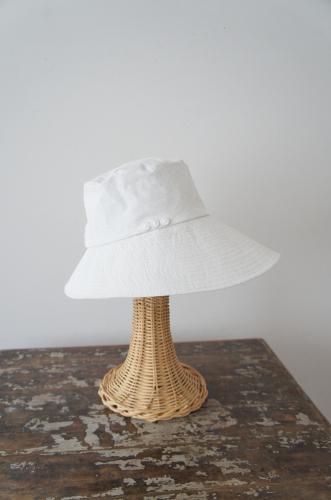 ***New***真っ白なキャンバスのような帽子_b0195783_10092567.jpg