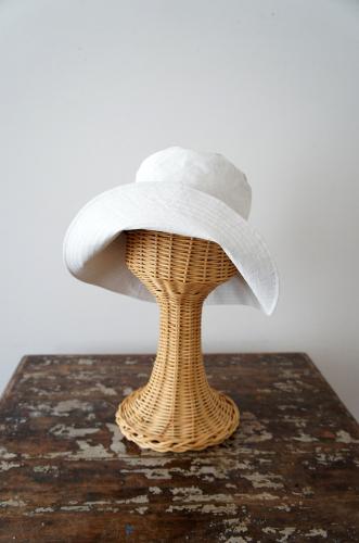 ***New***真っ白なキャンバスのような帽子_b0195783_10092832.jpg