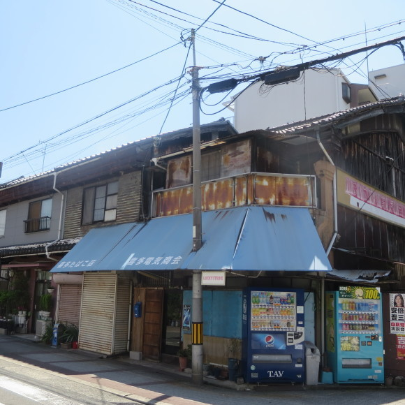 スミレ商店街 (大阪市城東区)_c0001670_19374737.jpg