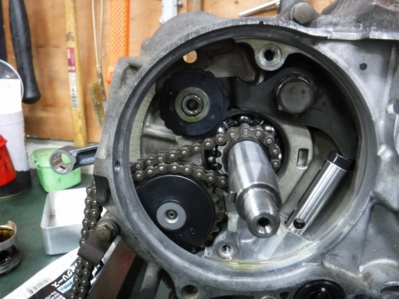ベンリィ90S エンジンOH 組み立て編1と予期せぬ事案。_e0157602_18483532.jpg