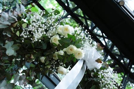 春の装花 リストランテASO様へ、バラとユーカリとかすみ草のアーチ装花_a0042928_21211836.jpg