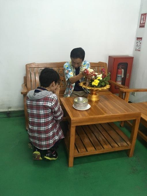 タイでお留守番_b0100062_10295321.jpg