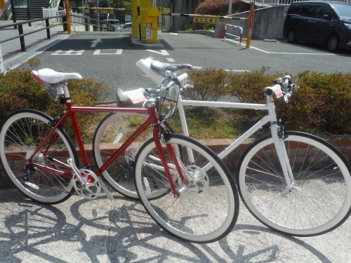 お手頃な街乗りクロスバイク『シュウィン スリッカー』_b0332867_11244567.jpg