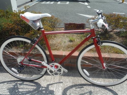 お手頃な街乗りクロスバイク『シュウィン スリッカー』_b0332867_11332936.jpg