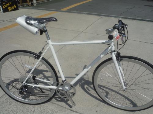 お手頃な街乗りクロスバイク『シュウィン スリッカー』_b0332867_11382446.jpg