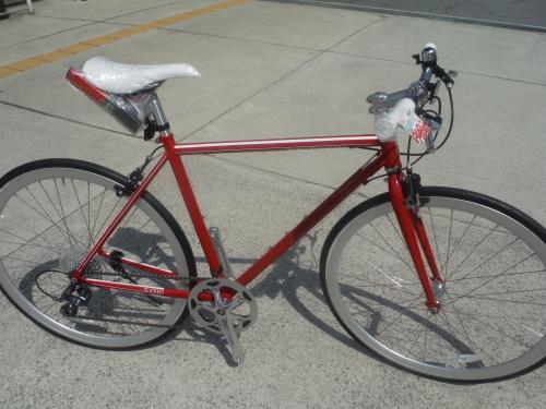 お手頃な街乗りクロスバイク『シュウィン スリッカー』_b0332867_11385607.jpg
