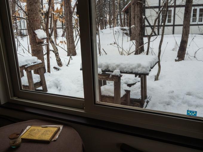 4月中旬ですが・・2夜連続積雪で畑はすっかり雪景色。_f0276498_22382727.jpg